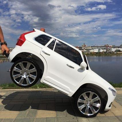 Электромобиль VOLVO XC90 белый (колеса резина, сиденье кожа, пульт, музыка)